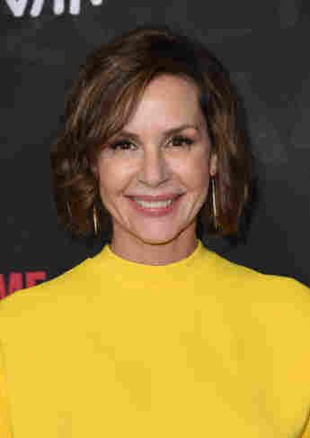 Embeth Davidtz attends Showtime 'Ray Donovan' season 4 in 2017