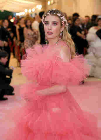 Emma Roberts Reveals She Blocked Her Mom On Instagram After Revealing Pregnancy