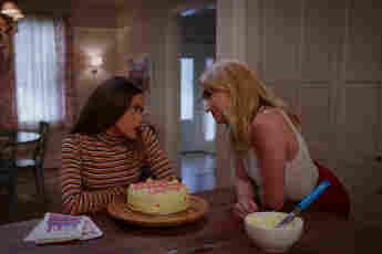 Ginny & Georgia: New Netflix Series Gets Gilmore Girls Comparisons watch episodes season 1 release premiere date cast trailer
