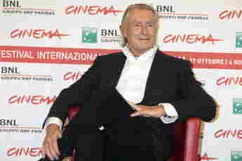 Fallece el director Joel Schumacher