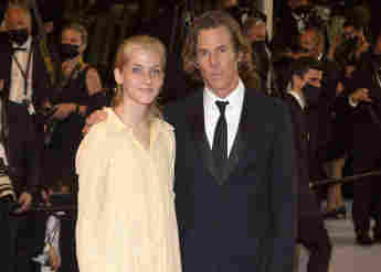 Julia Roberts' Daughter Hazel Makes Her Red Carpet Debut with father Daniel Moder Cannes 2021 pictures new photos family