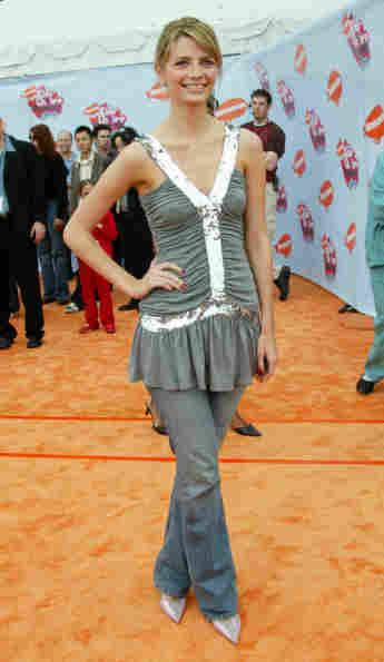 Mischa Barton asiste a la 17a edición anual de los Kids 'Choice Awards de Nickelodeon, 2004
