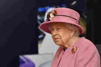 "Queen Elizabeth Will Get COVID-19 Vaccine ""Within Weeks"" Pfizer-BioNTech"