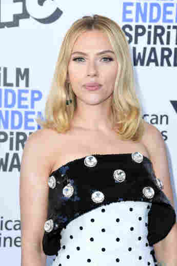 Scarlett Johansson attends the 2020 Film Independent Spirit Awards.