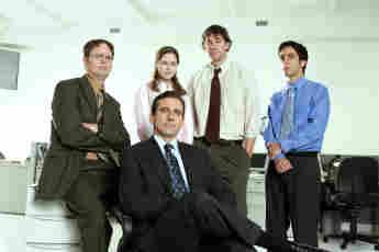 Rainn Wilson, Jenna Fischer, Steve Carell, John Krasinski y BJ Novak en un still promocional de la serie 'The Office'