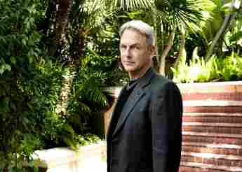 Will NCIS: Hawaii Crossover With NCIS and LA Series This Season 1 release premiere date time watch cast 2021 CBS backdoor pilot