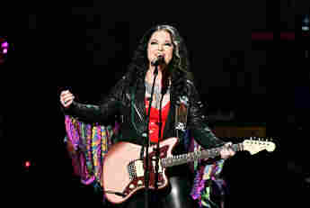 """Ashley McBryde Says She's """"A Little Nervous"""" To Co-Host CMT Music Awards"""