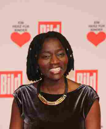 Auma Obama: Barack's Half-Sister siblings story mother father first meeting age 24