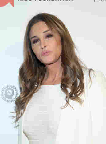 Caitlyn Jenner Goes Golfing With This Bachelor Star!