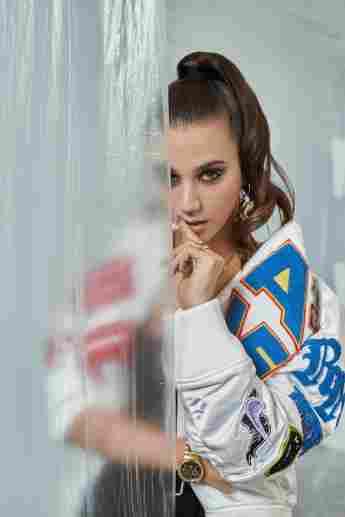 Claudia Salas en una imagen promocional de la serie 'Élite'