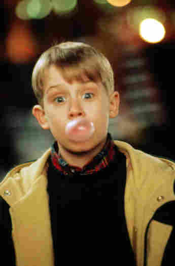 Macaulay Culkin en una escena de la película 'Mi pobre angelito 2'