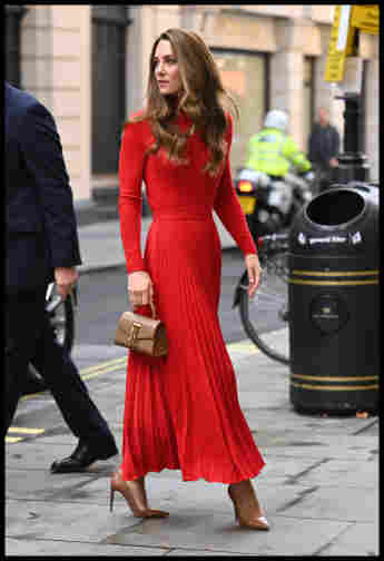 duchess kate lady in red red outfit
