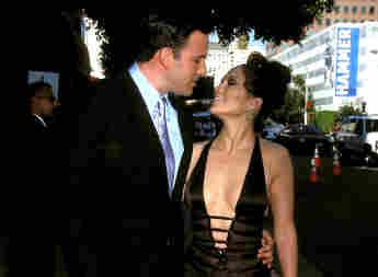 Jennifer Lopez And Ben Affleck Have PDA-Filled Date Night