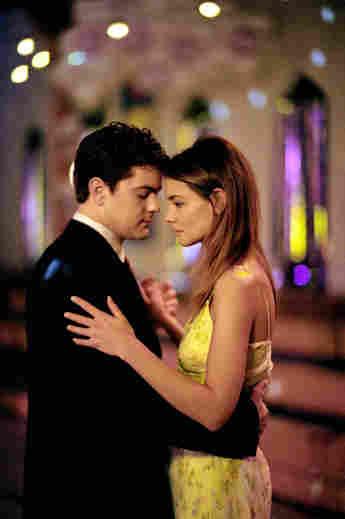 Katie Holmes and Joshua Jackson in 'Dawson's Creek'