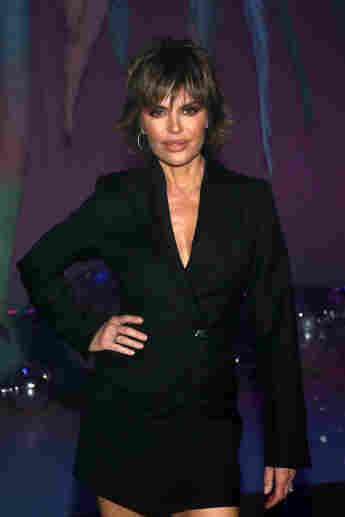 RHOBH Lisa Rinna Pokes Fun Of Lori Loughlin For Scandal.