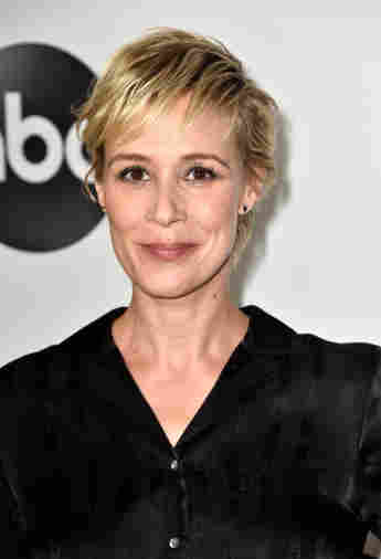 """Liza Weil starred as """"Paris"""" in Gilmore Girls. What is she doing now?"""