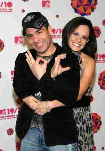 Omar Chaparro y su esposa Lucía Ruiz en los Premios MTV Latinoamérica, en 2006