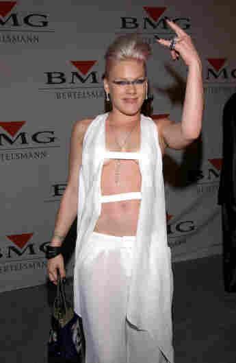 Pink en los Grammy de 2002