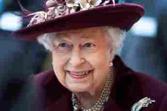 Queen Elizabeth's Most Beautiful Evening Gown Looks