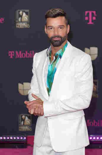"Ricky Martin - ""Vuelve"""