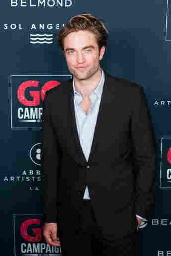 Robert Pattinson is the world's most handsome man, according to a plastic surgeon.