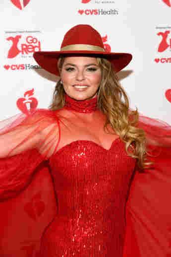 "'Shania Twain Announces More Las Vegas Shows & Celebrates ""The Woman In Me"" Anniversary!"