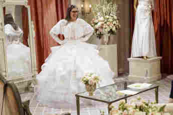 "The Big Bang Theory: This Surprising Actress Almost Played ""Amy"" Kate Micucci Mayim Bialik cast star"