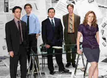 BJ Novak, John Krasinski, Steve Carell, Rainn Wilson y Jenna Fischer en una imagen promocional de la serie 'The Office'