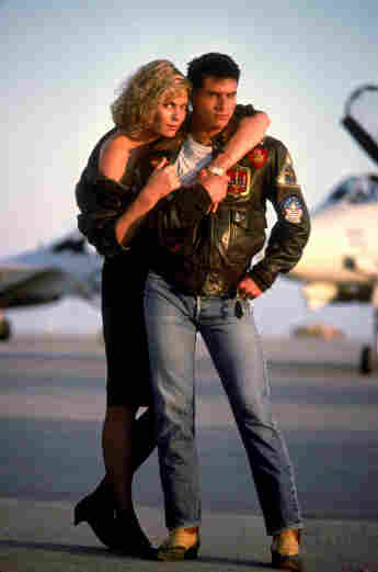 Kelly McGillis and Tom Cruise in 'Top Gun'.
