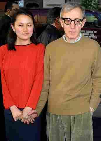 """Woody Allen habla sobre su matrimonio de 22 años con Soon-Yi: """"Ella me cambió""""."""