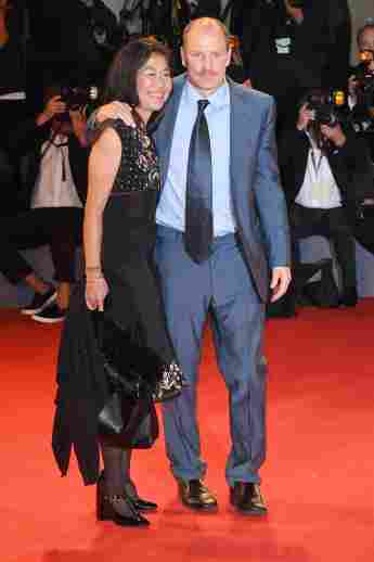 woody harrelson and wife laura louie harrelson red carpet