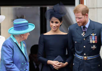 Harry & Meghan Show first Photo Of Baby Lilibet To Royal Family WhatsApp group chat picture news 2021