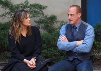 Law & Order: SVU: First Details On The 500th Anniversary Episode Revealed season 23 guest stars reunion crossover Benson Stabler Warren Leight interview Organized Crime