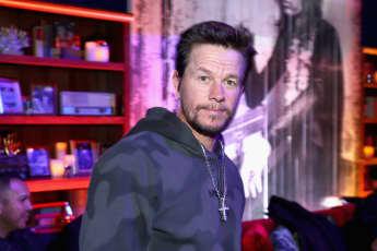 Mark Wahlberg Matt Damon Friend