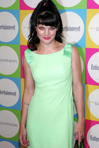 """Pauley Perrette Says Goodbye To CBS's 'Broke' As Series Finale Airs: """"We Had The Best Blessing Ever"""""""
