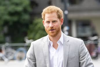 Prince Harry Honours Princess Diana On Mother's Day 2021 send flowers grave burial in England