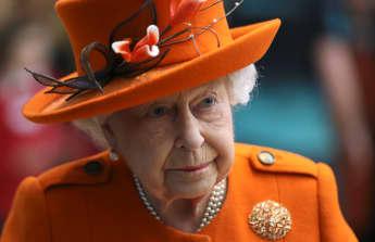 Queen Elizabeth's Cousin Simon Bowes-Lyon Pleads Guilty To Sexual Assault Charges 2021