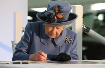 Queen Elizabeth Mails Replies To Prince Philip Tributes
