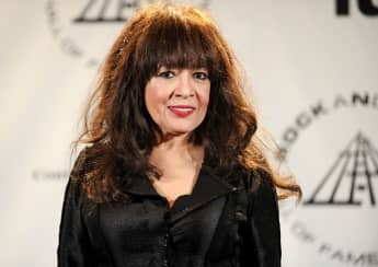 Ronnie Spector's Statement On Phil Spector's Death 2021 age 81