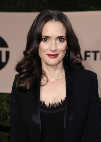 Winona Ryder Reveals Keanu Reeves Refused To Make Her Cry While Filming 'Dracula'