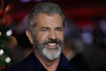 Winona Ryder Accuses Mel Gibson Of Making Jarring Anti-Semitic & Homophobic Comments