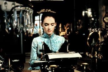 Winona Ryder en una escena de la película 'Drácula'