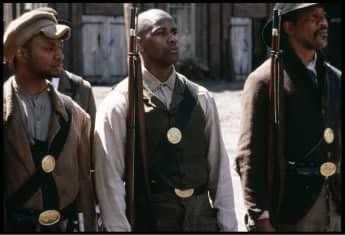 """Denzel Washington como el soldado Silas Trip privado en la película de 1989 """"Glory""""."""