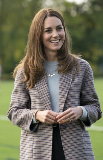 Duchess Kate Wears Gorgeous Blue Dress To Buckingham Palace Meeting With Ukrainian President
