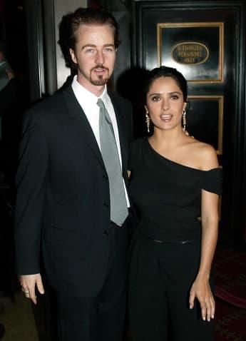 Edward Norton y Salma Hayek en el estreno de 'Red Dragon' en 2002
