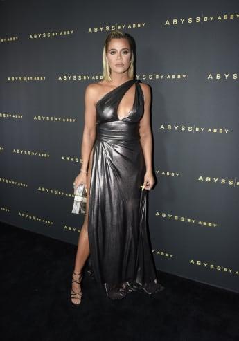 Khloé Kardashian Reveals She Had Coronavirus In New 'KUWTK' Clip