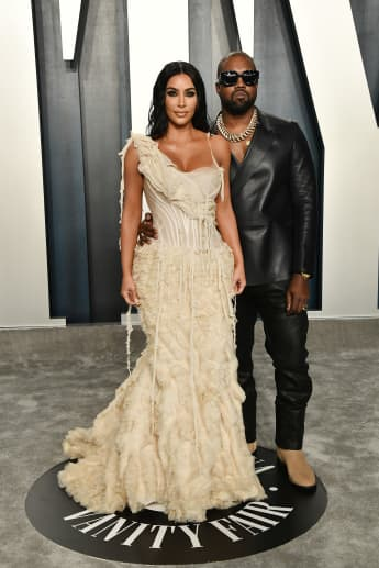 Kim Kardashian Stuck In Kanye West Relationship, Says Source