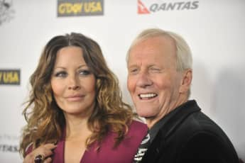 Linda Kozlowski and Paul Hogan got a divorce in 2014. This is why...