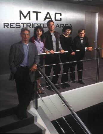 NCIS cast (left to right) Mark Harmon, Sasha Alexander, Michael Weatherly, Pauley Perrette, David McCallum.