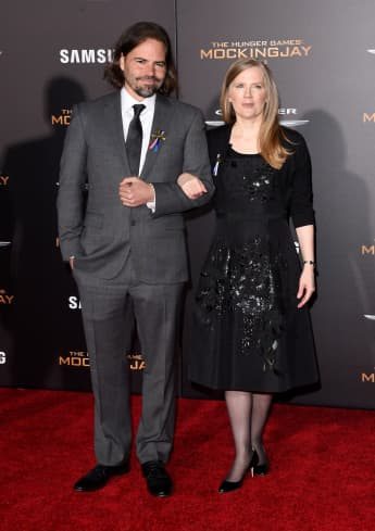 Screenwriter Peter Craig and author Suzanne Collins at the 2015 premiere of Mockingjay: Part 2.